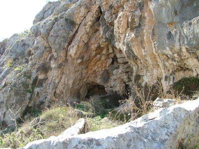 Jaskinie na północnym zboczu góry Karmel