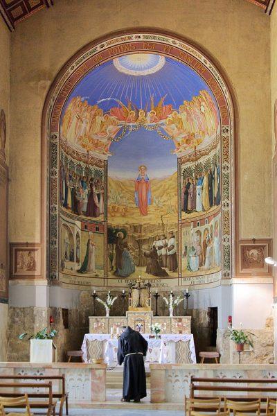 Wnętrze Sanktuarium Nawiedzenia św. Elżbiety
