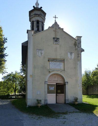 Kaplica Dobrego Spotkania, zbudowana na miejscu objawienia Matki Bożej