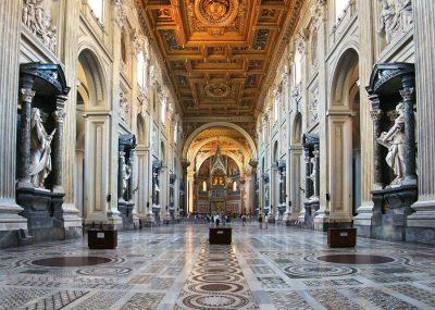 Wnętrze Bazyliki św. Jana